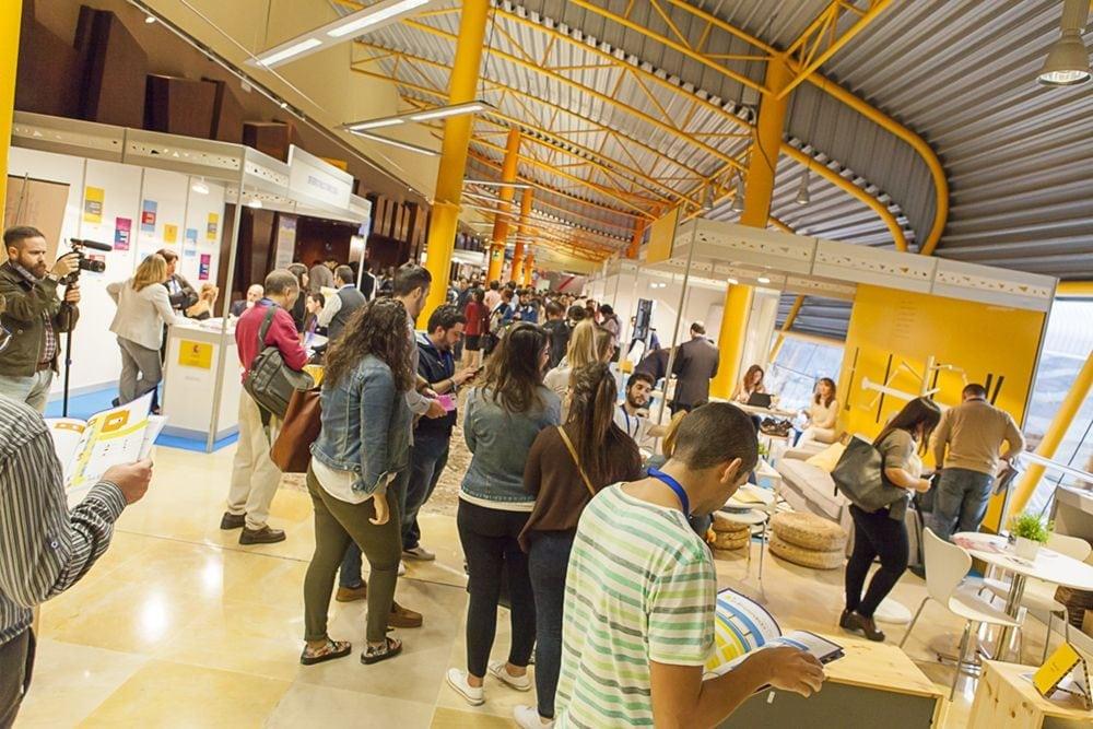 Feria de emprendedores en la antesala 2 de Fycma