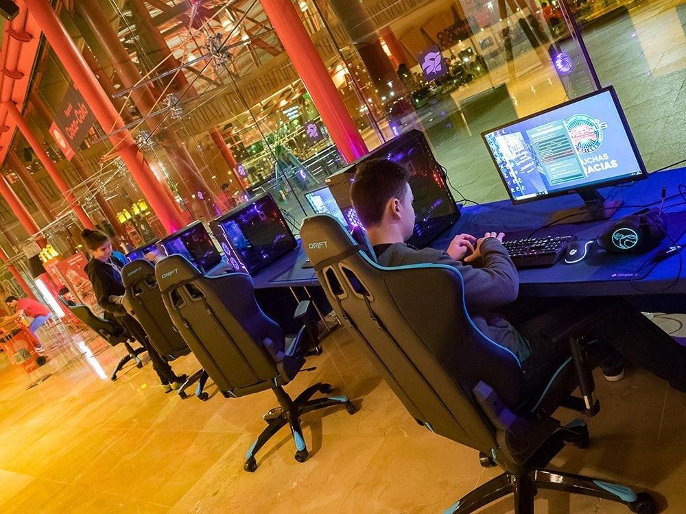 Torneo de video-juegos en Gamepolis celebrado en Fycma