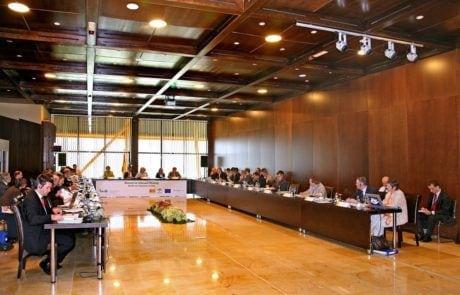 Sala dividida por la mitad en sale de conferencias 2 Fycma